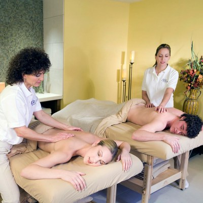 couples getting massage