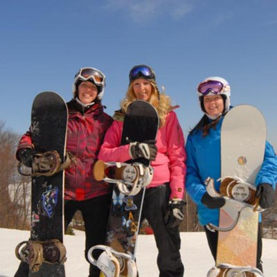 women snowboarders